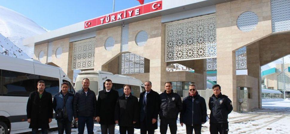 Van\'ın Saray İlçesinde Yer Alan Kapıköy Sınır Kapısı Hizmete Açıldı.