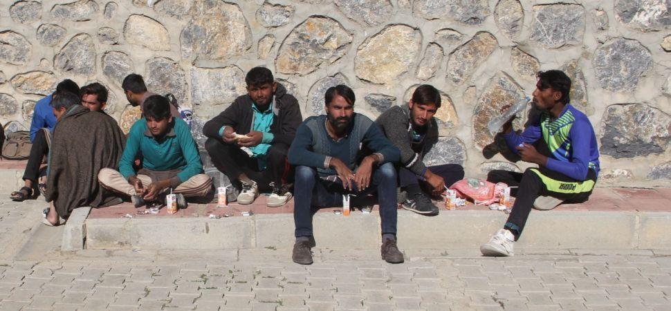 Başkale\'de 9 kaçak göçmen yakalandı.