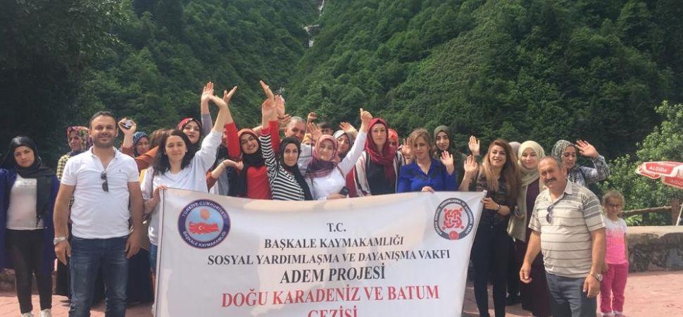 Başkaleli Kadınlar Karadeniz ve Batum'u Gezdi.