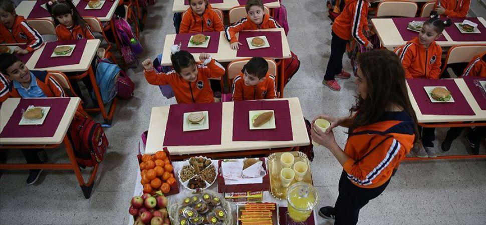 Bakan Koca'dan okul döneminde beslenme uyarıları
