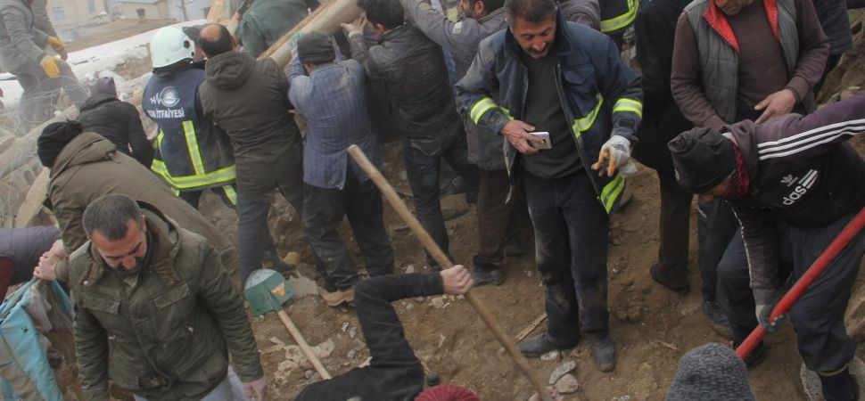 Başkale'de 9 kişi yaşamını yitirdi 50 kişi yaralandı.
