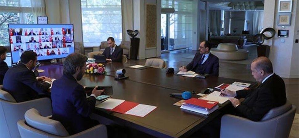 Gözler Erdoğan'da! Kabine normalleşmeyi ve sınavları konuşacak.