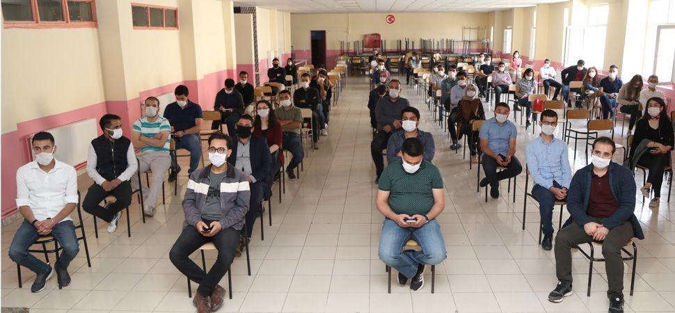 Başkale'de LGS Sınavı Öncesi Toplantı Yapıldı