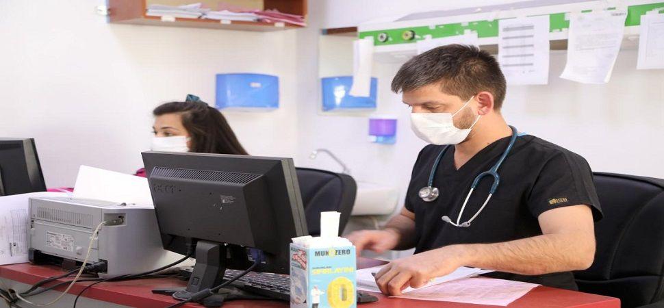 Koronavirüsü yenip dünya evine giren doktor çiftten yaşadıklarını anlattılar.