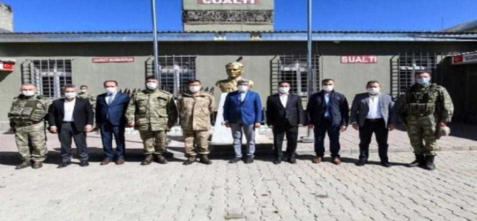 Vali Mehmet Emin Bilmez sınır hattında inceleme yaptı