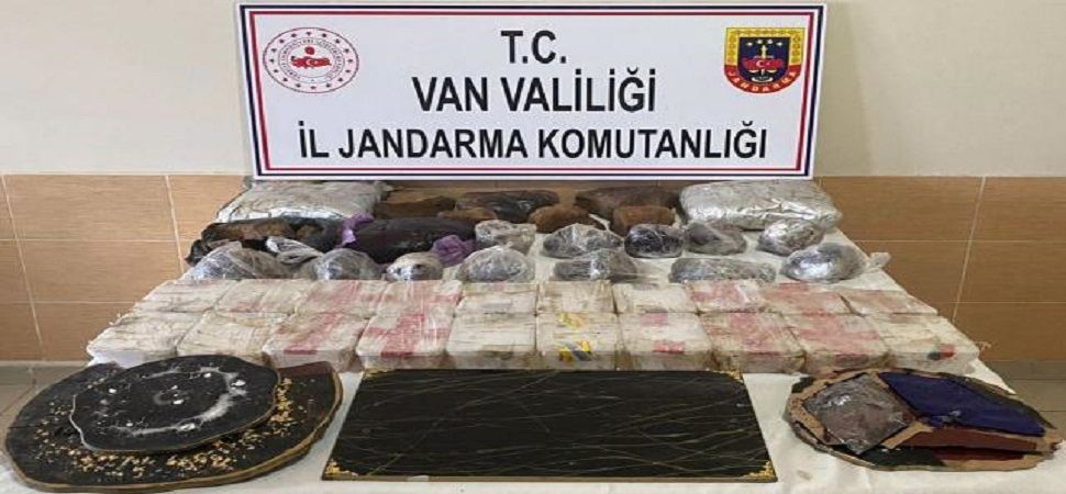 Başkale 'de 62 kilogram uyuşturucu ele geçirildi.