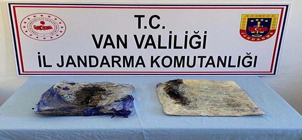 Başkale'de 4 kilo 500 gram afyon sakızı ele geçirildi