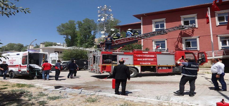 Başkale Hükümet Konağında Yangın Tatbikatı Yapıldı