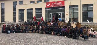 Başkale 'de 72 Düzensiz Göçmen Yakalandı