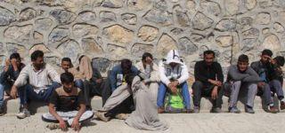 Başkale'de 14 Kaçak göçmen yakalandı.