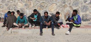 Başkale'de 9 kaçak göçmen yakalandı.