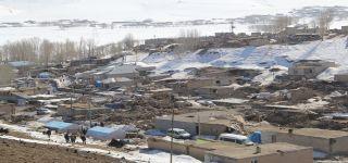 Başkale'deki depremin yaraları sarılıyor