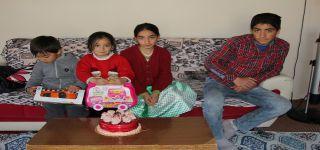 Başkale'de İkizler vefa destek grubunda doğum günü sürprizi
