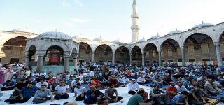 12 Haziran'dan itibaren Cami avlularında namaz kılınacak