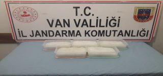 Başkale de 5 kg 818 gram metamfatamin ele geçirildi.