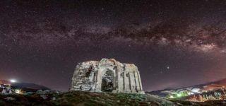 Başkale deki Bin 700 yıllık kilise, gece fotoğraflandı