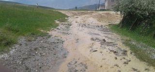 Başkale'de sel tarım arazilerine zarar verdi