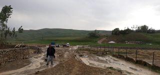 Başkale'de sağanak yağış sele neden oldu