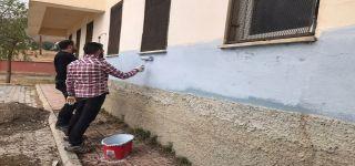 Başkale de Fedakar öğretmenler okulu eğitime hazırlıyor.