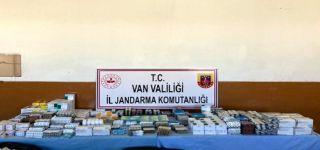 Başkale'de araziye terk edilmiş ilaçlar bulundu
