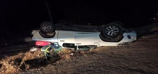 Başkale de Takla atan kamyonet ters döndü: 4 yaralı
