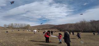 Başkale'de öğrenciler  uçurtma şenliğinde buluştu.